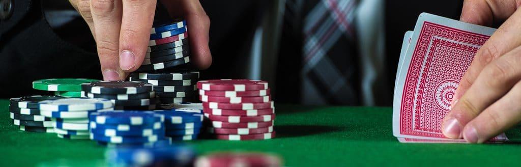play winning poker in a casino